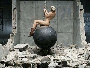 Miley Cyrus Wrecks Your Balls - PMV