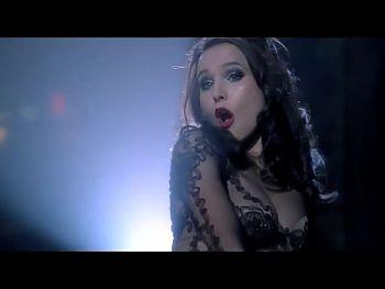 Kristen Bell sexy dancing
