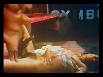 Desiree West and Joan Devlon 1976 Night Pleasures XXX MFF